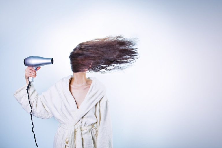 Choosing the Right Hair Dryer for Thick, Long, Frizzy, Dry or Curly Hair