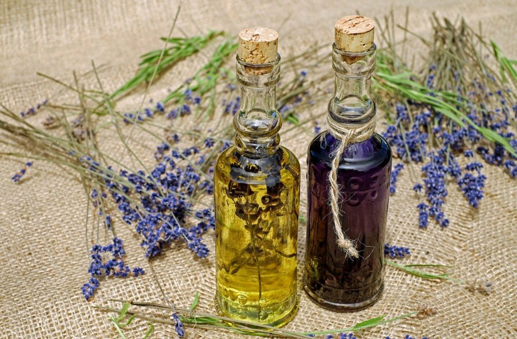 essential oils for hair - lavender oil