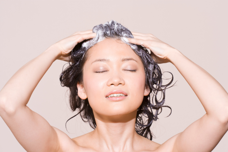 Best Shampoo for Thinning Hair: Try These 5 Anti Hair Loss Shampoos!